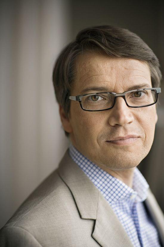 Socialminister Göran Hägglund är kritisk till tandläkarnas prissättning