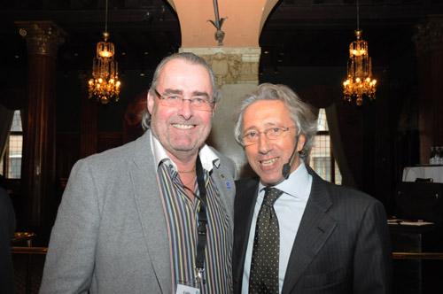 Dr Mauro Fradeani och tandläkare Calle Hagman