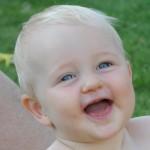 När en baby ler det första leendet startar dess personlighetsutveckling