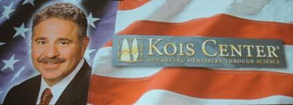 Logotype för Dr John C. Kois - en av världens främsta tandläkare