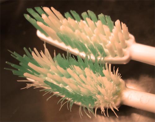 huvud av sliten tandborste